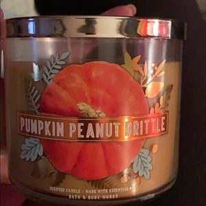 Bath & Body Works Pumpkin Peanut Brittle Candle